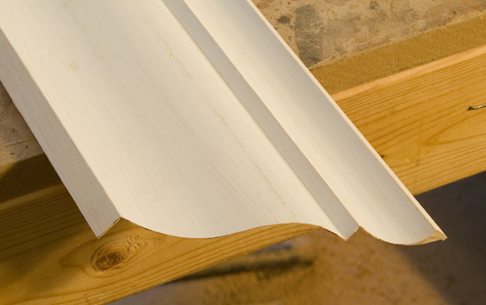 how to cut crown molding angles greater than 90 degrees